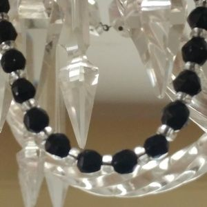 Jewelry - VINTAGE BLACK & CLEAR NECKLACE